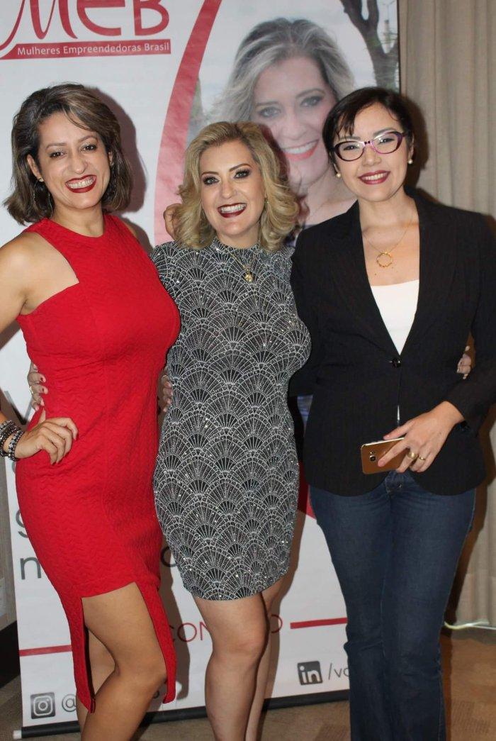 Katiucia Leles, Ana Paula Guedes e Jéssica Alencar.jpg